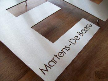 huisnummer uit losse letters rvs316 2mm dik met naam