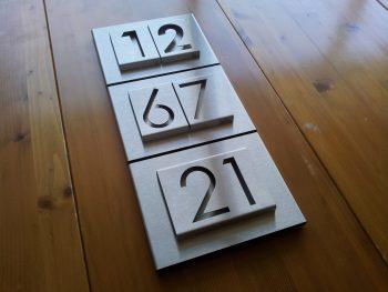 Huisnummerbord NERGENS ANDERS VERKRIJGBAAR