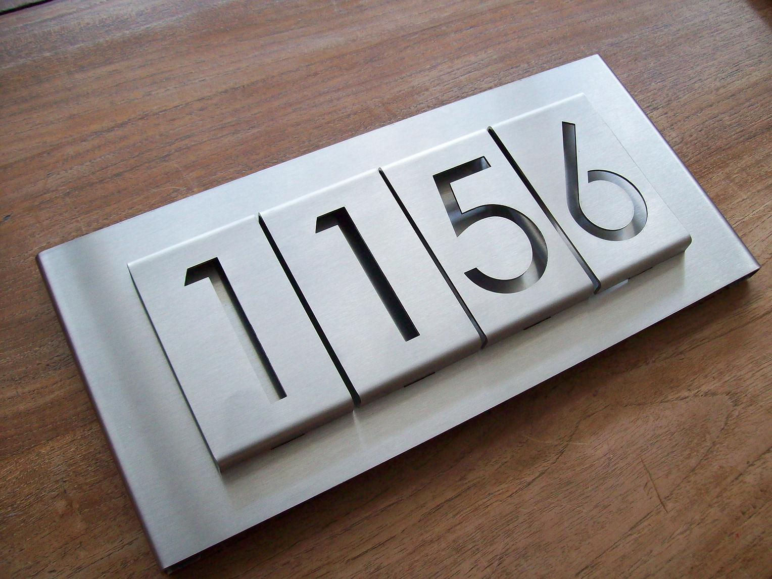 Huisnummer uit losse cijfers rvs316 3mm dik for Huisnummerbord maken