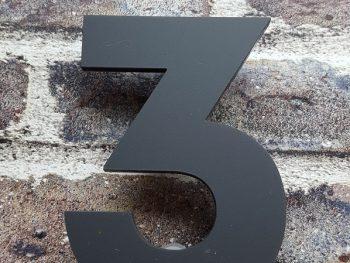 Acryl huisnummer 3